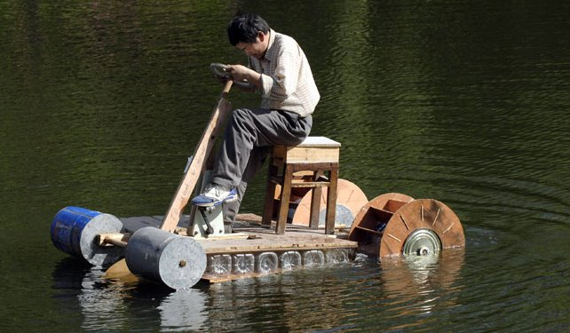 THis guy makes a Paddle Boat for under $20