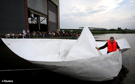 DIY HACK This Guy Builds A GIANT Paper Boat