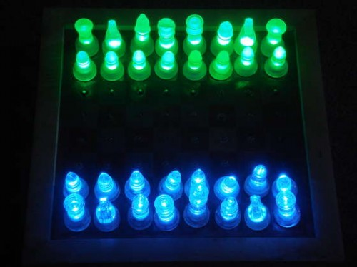 http://zedomax.com/blog/wp-content/uploads/2008/06/diy-led-chess.jpg