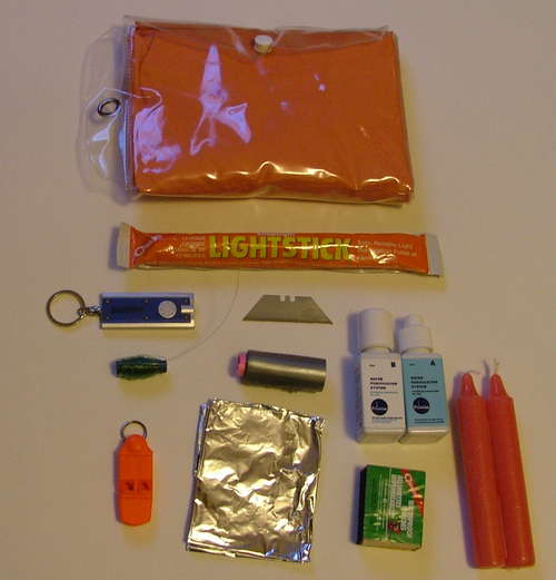 DIY – How to Make your own DIY Compact Survival Kit!