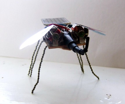 Solar Powered Dragonfly Robot!