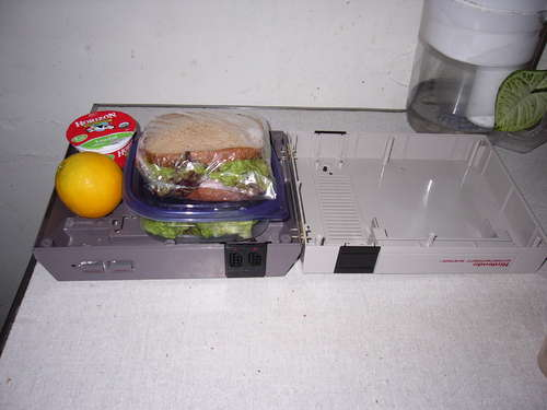 Oh Gawd, Please don\'t use a Nintendo as Lunchbox!