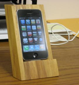 wooden-iphone-stand