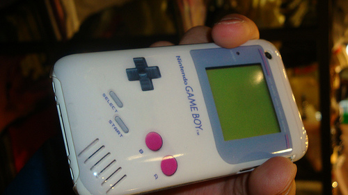 gameboy-iphone-case