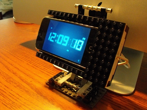 lego-diy-iphone-stand