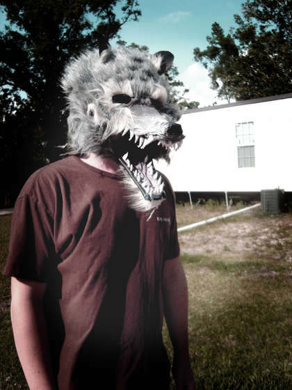 http://zedomax.com/blog/wp-content/uploads/2009/10/were-wolf-mask-howto.jpg