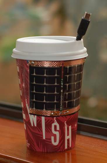 solar-charger-coffee-cup