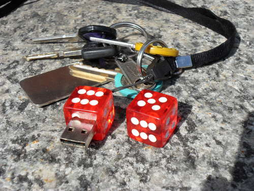 diy-dice-usb-flash-drive